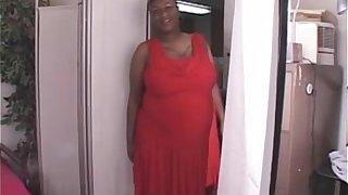1917137 black shorthair bbw milf in interracial