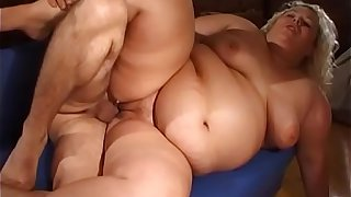 Fat slut sticks banana vibrator up her tight pussy