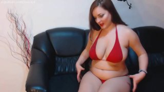 Sexy MILF gets chubby!